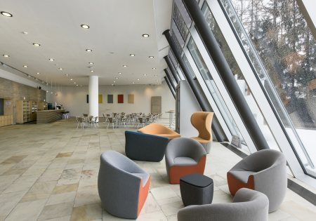 Congress Centrum Alpbach - Otto Molden Foyer © Senfter