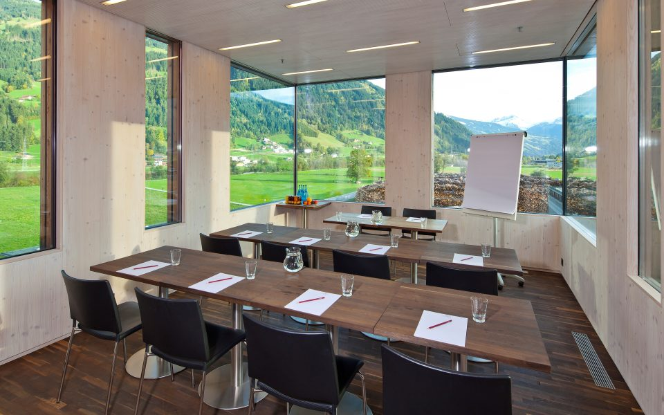 Business Lounge - FeuerWerk