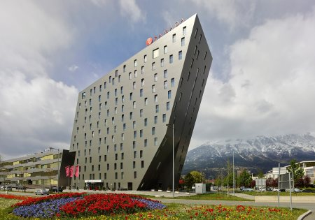 Außenaufnahme Hotel Ramada Innsbruck Tivoli