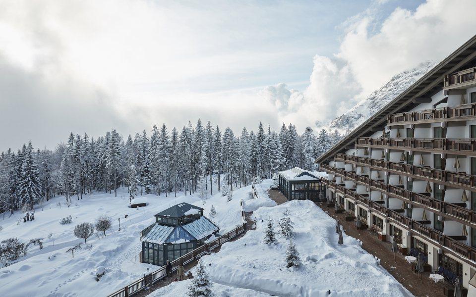 Außenansicht Winter - Interalpen-Hotel Tyrol © David Schreyer