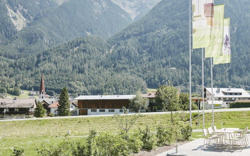 Terrasse, Explorer Hotel, Ötztal © Schreyer David