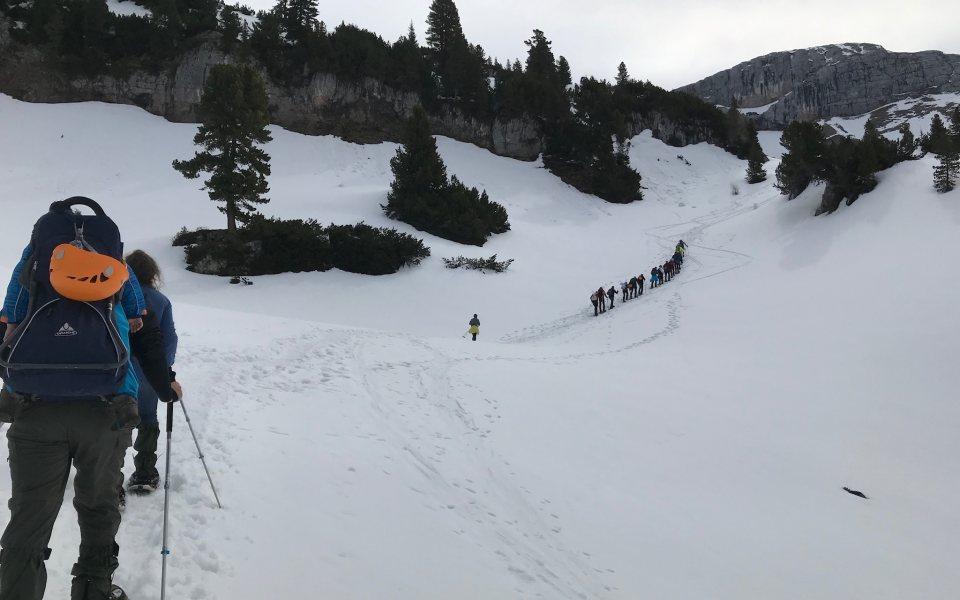 Teambuilding in der Gramai - Teamwanderung im Schnee © eventation