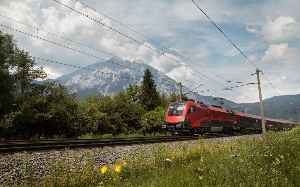 ÖBB Railjet © Regina Recht